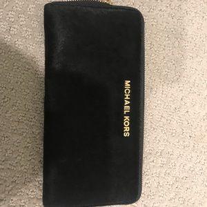 Michael Kors cafe hair black wallet